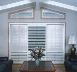 multiple shutters with different configurations in a living room
